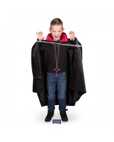 Čierny plášť s červeným golierom