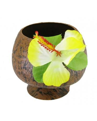 Šálka z kokosa s kvetmi