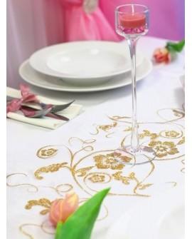 Organzy a iné dekorácia na stôl